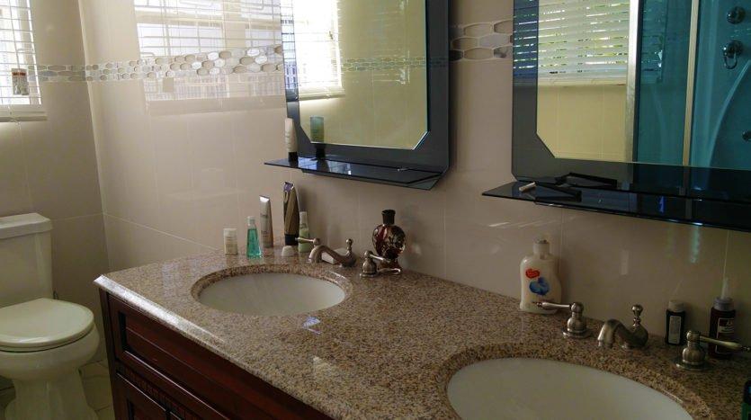 saj bathroom st kitts 2