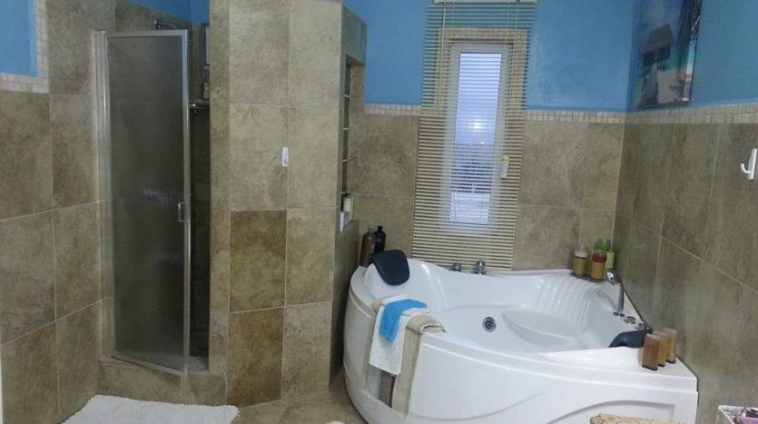 Meadows - MH Bathroom